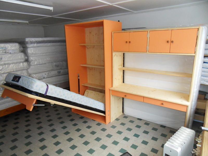 lit relevable en 90x190 avec bureau sur mesure vercors literie. Black Bedroom Furniture Sets. Home Design Ideas