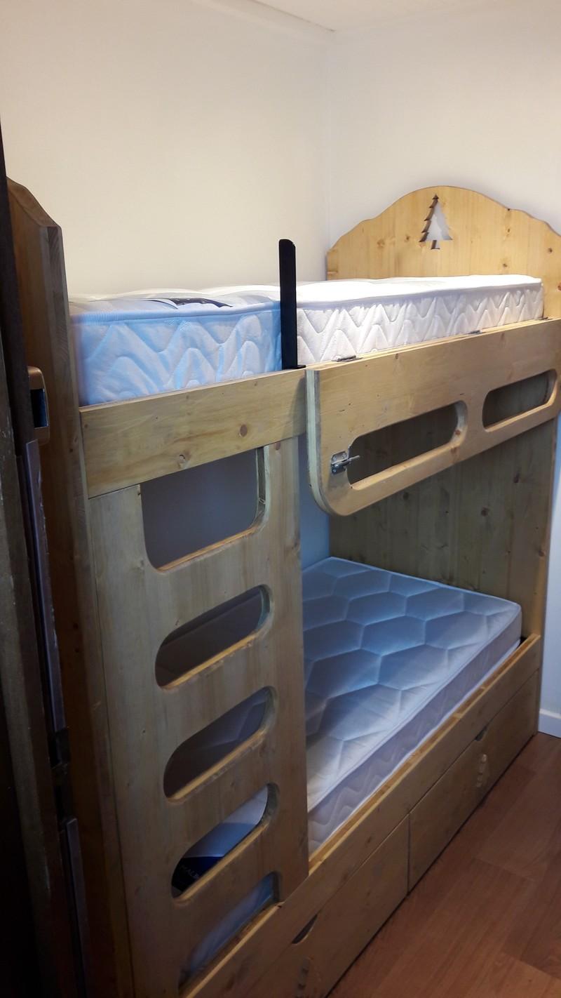 lit superpos en 80x190 ou 70x190 ou 90x190 vercors literie. Black Bedroom Furniture Sets. Home Design Ideas