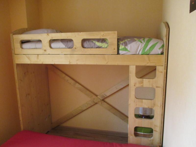 lit mezzanine sur lit 140 vercors literie. Black Bedroom Furniture Sets. Home Design Ideas