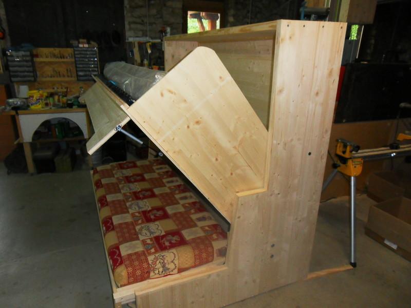 lit relevable camping car. Black Bedroom Furniture Sets. Home Design Ideas